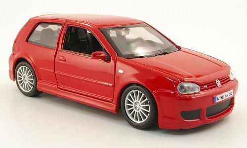 VW Golf IV R32 1:24, Maisto