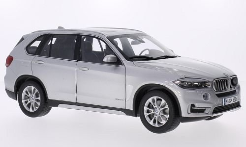 BMW X5 (F15) 1:18, Paragon
