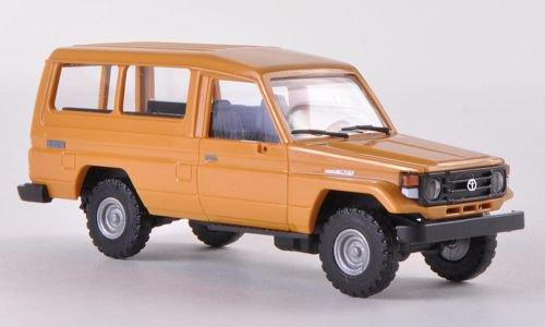 Toyota Land Cruiser (HZJ78) 1:87, Busch